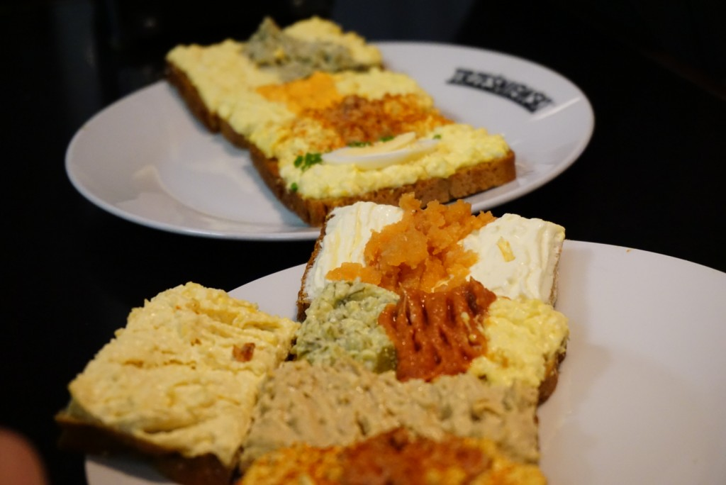 Choose from the huge variety of sandwich toppings available here. Most popular being the chicken liver pate, caviar, and paprika. It's delicious, highly addictive and affordable